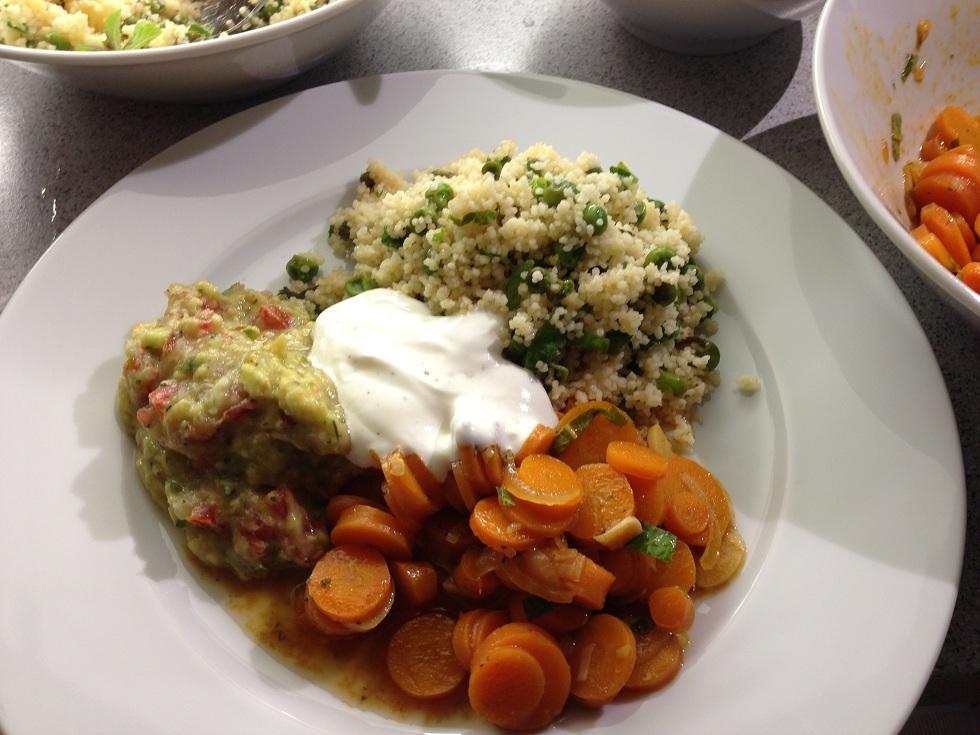 Orientalische Karotten und Minz-Couscous