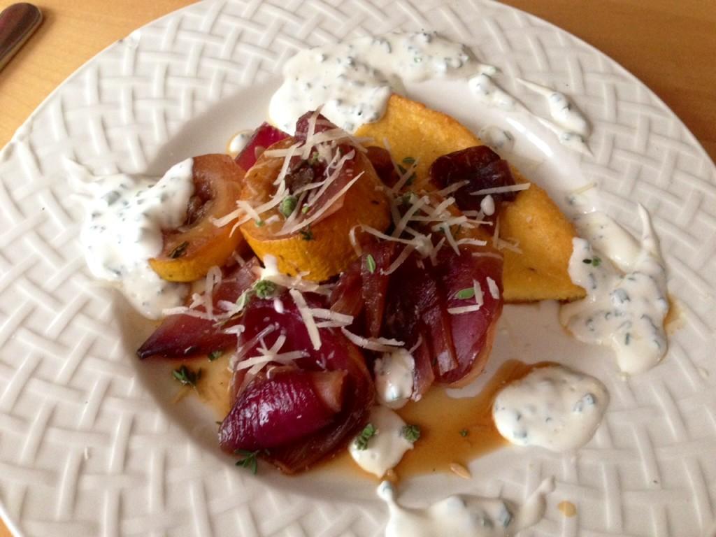 Polentaschnitte mit Balsamico-Gemüse