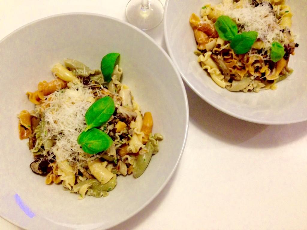 Pasta mit Samthauben und Radicchio