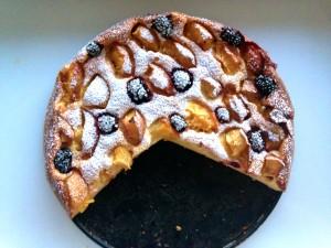 Fertige Pfirsich-Topfen-Torte