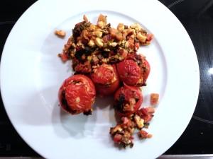 Gefüllte Tomaten mit Mangold und Feta