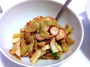 Brokkoli-Stamm-Salat
