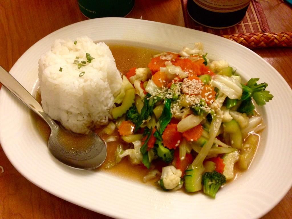 Gemüse mit Austernsauce Phad Pak Ruammit