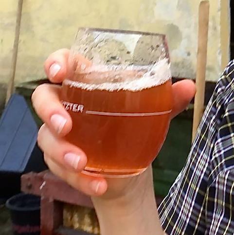 Das erste Glas Saft... hhhmmm!